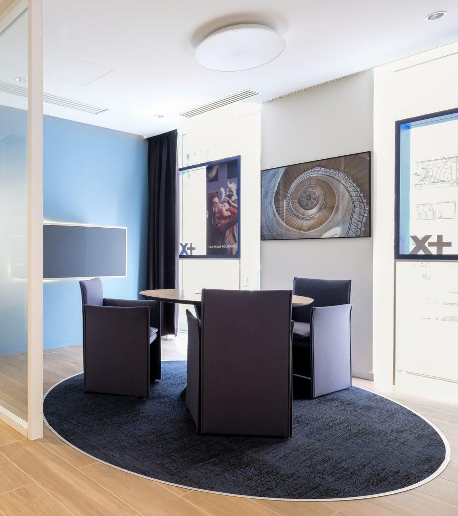 salon de reception table ovale