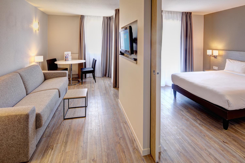 aménagement d'une chambre d'hôtel