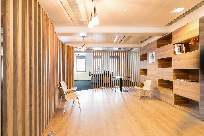 aménagement d'un espace entièrement en bois