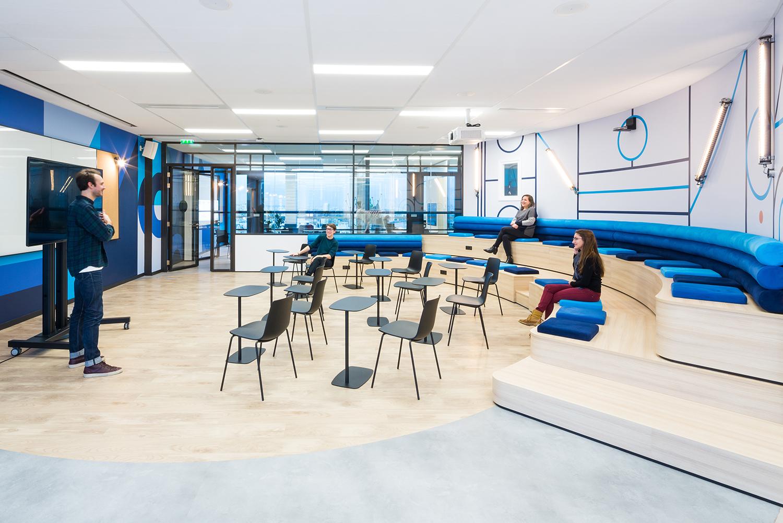 agencement d'une salle de réunion d'un espace de travail : eurogroup
